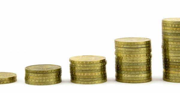Essential wealth management <br>tips for parents